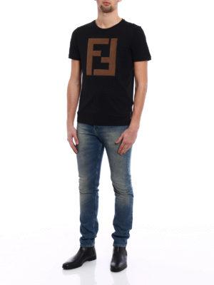 Fendi: t-shirts online - Alcantara® maxi logo patch Tee