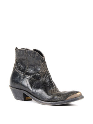 Golden Goose: ankle boots online - Young crackle leather booties