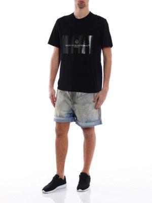 Golden Goose: t-shirts online - Glossy print detailed T-shirt
