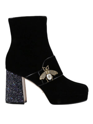 Gucci: ankle boots - Bee detail velvet ankle boots
