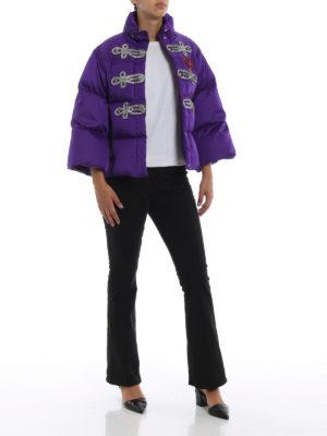 GUCCI: giacche imbottite online - Piumino corto viola con alamari in strass