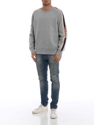 GUCCI: Felpe e maglie online - Felpa in cotone con bande Gucci