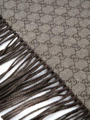 Gucci: scarves online - L''Aveugle Par Amour fringed scarf