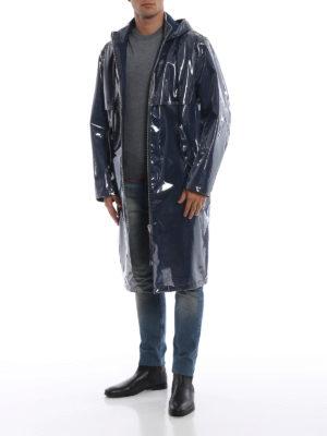 HELMUT LANG: cappotti al ginocchio online - Impermeabile in poliuretano blu Framed Logo