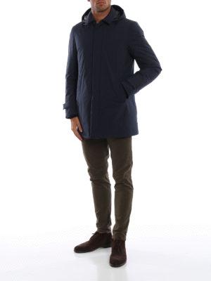 HERNO: cappotti imbottiti online - Impermeabile Laminar blu opaco con cappuccio