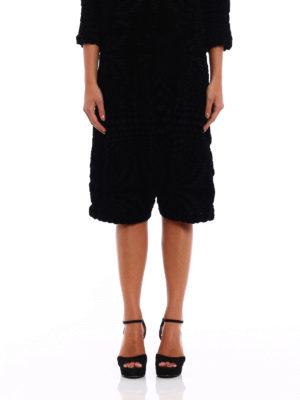 Issey Miyake Cauliflower: Tailored & Formal trousers online - Geometric Flocky short pants