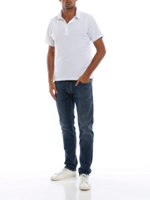 a sigaretta - Jeans in denim lavaggio medio con patch rosso