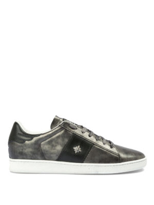 JOHN RICHMOND: sneakers - Sneaker in pelle metallizzata con borchia
