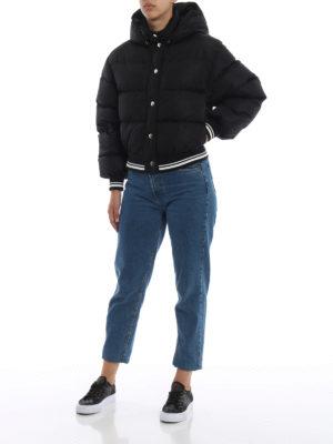 m.s.g.m.: giacche imbottite online - Piumino crop stile bomber con cappuccio