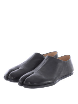 Maison Margiela: Loafers & Slippers online - Tabi leather loafers