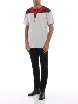 Marcelo Burlon: t-shirt online - T-shirt in cotone grigio perla e Wings rosse