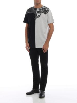 Marcelo Burlon: t-shirt online - T-shirt grigia e nera con stampa Wings Snakes