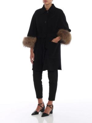 Max Mara: cappotti corti online - Cappotto King polsi in pelliccia