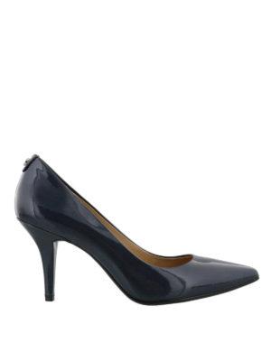 MICHAEL KORS: scarpe décolleté - Flex Mid Pump in vernice blu