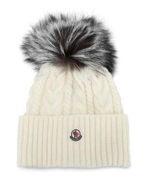 MONCLER: berretti - Berretto bianco a trecce con pelliccia