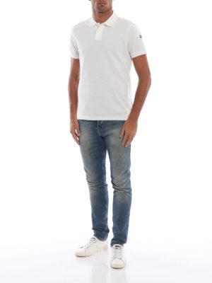 MONCLER: polo online - Polo bianca in cotone con tricolore sul collo