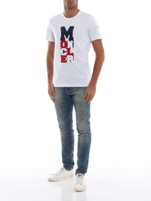 MONCLER: t-shirt online - T-shirt bianca con logo tricolore gommato