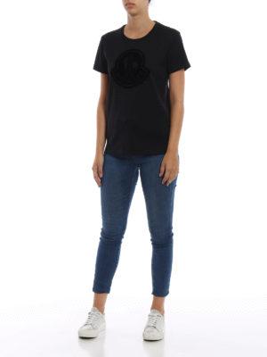 MONCLER: t-shirt online - T-shirt con maxi logo Moncler vellutato