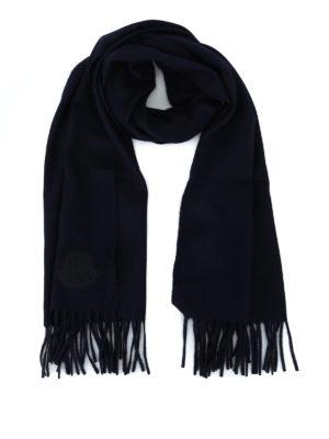 MONCLER: sciarpe e foulard - Sciarpa in panno di lana blu con frange
