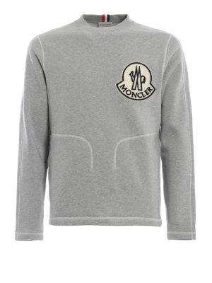 MONCLER: Felpe e maglie - Felpa grigia con maxi logo vellutato