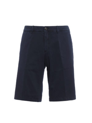 Moncler: Trousers Shorts - Chino-inspired cotton shorts