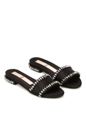 N°21: sandali online - Ciabatta gioiello in raso