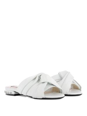 N°21: sandals online - Embellished knot detailed slides