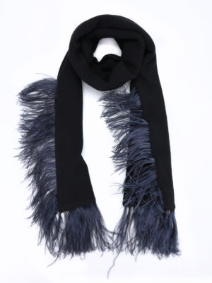 N°21: scarves - Wool scarf with feathers