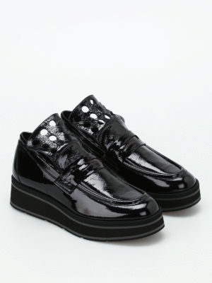 Paloma Barcelò: Loafers & Slippers online - Jurua patent leather loafers