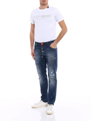a sigaretta - Jeans Stop me con teschi fluo
