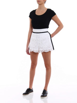 Philosophy di Lorenzo Serafini: Trousers Shorts online - Romantic lace high-waisted shorts