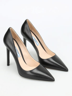 Prada: court shoes online - Leather classic pumps