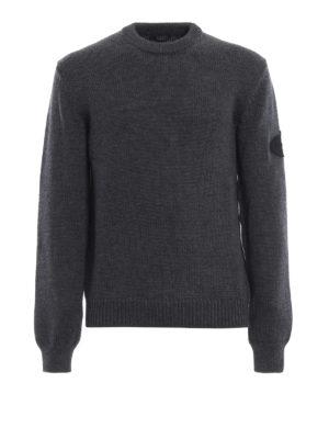 PRADA: maglia collo rotondo - Pull grigio in lana con logo sulla manica