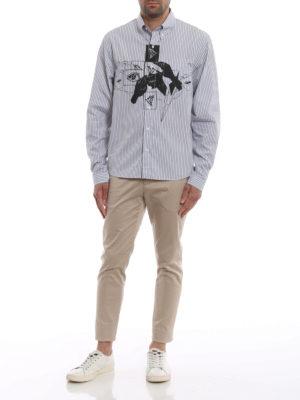 PRADA: camicie online - Camicia a righe con stampa occhi