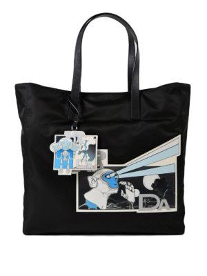 PRADA: shopper - Tote con patch Comics in saffiano