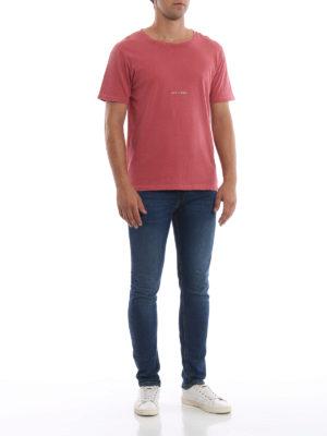 SAINT LAURENT: t-shirt online - T-shirt rossa sbiadita con logo