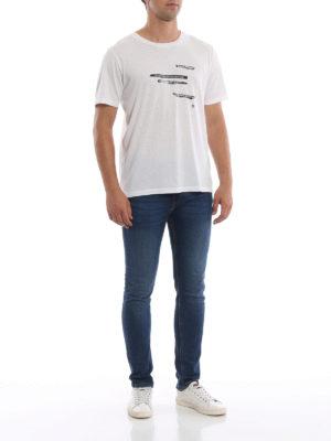SAINT LAURENT: t-shirt online - T-shirt bianca in cotone con frasi stampate