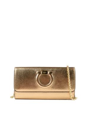 SALVATORE FERRAGAMO: pochette - Clutch portafoglio Gancini oro