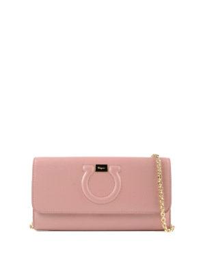 SALVATORE FERRAGAMO: pochette - Clutch portafoglio Gancini rosa
