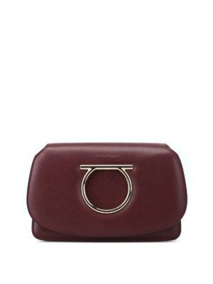 SALVATORE FERRAGAMO: pochette - Mini borsa Gancini in pelle color vinaccia