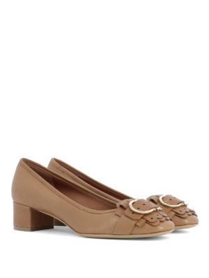 Salvatore Ferragamo: court shoes online - Double Gancio detail leather pumps