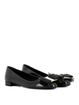 Salvatore Ferragamo: flat shoes online - Marlia bow detailed patent flats