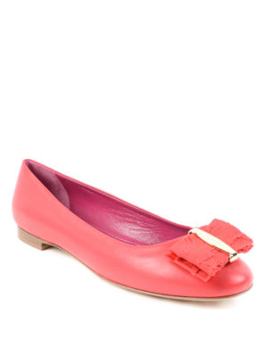 Salvatore Ferragamo: flat shoes online - Vara bow leather flat shoes