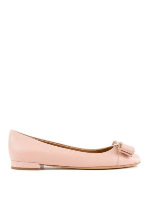 SALVATORE FERRAGAMO: ballerine - Ballerina Varina rosa confetto con borchie