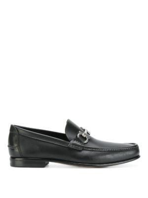 SALVATORE FERRAGAMO: Mocassini e slippers - Mocassini Fiordi in pelle nera con Gancini