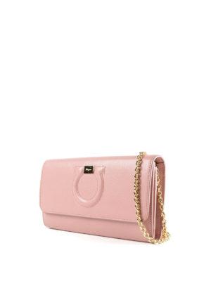 SALVATORE FERRAGAMO: pochette online - Clutch portafoglio Gancini rosa