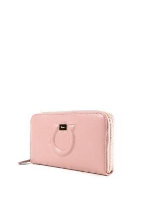 SALVATORE FERRAGAMO: portafogli online - Portafoglio Gancini rosa con zip