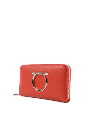 SALVATORE FERRAGAMO: portafogli online - Portafoglio rosso con zip e Gancini oversize