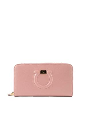 SALVATORE FERRAGAMO: portafogli - Portafoglio Gancini rosa con zip
