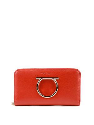 SALVATORE FERRAGAMO: portafogli - Portafoglio rosso con zip e Gancini oversize